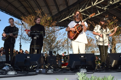 Judah & The Lion give a bonus acoustic set at sundown.