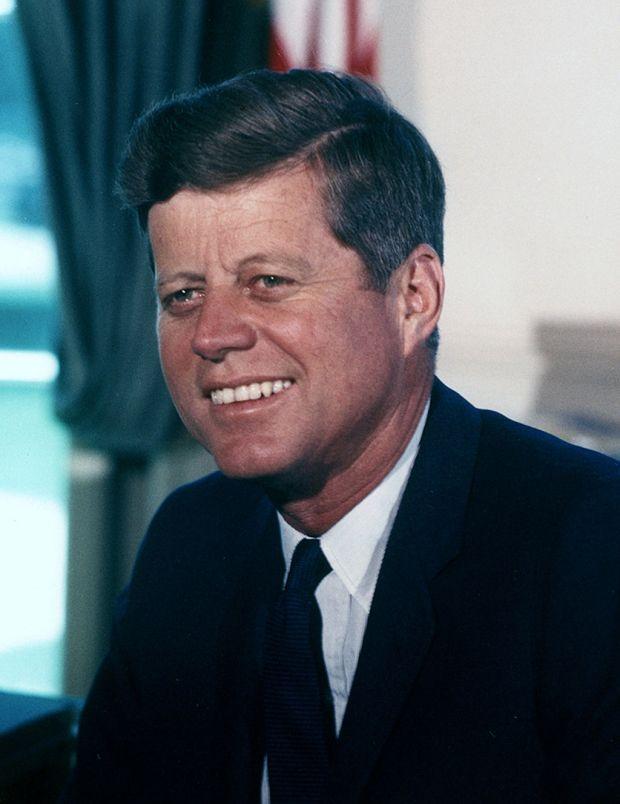 John_F._Kennedy,_White_House_color_photo_portrait.jpg